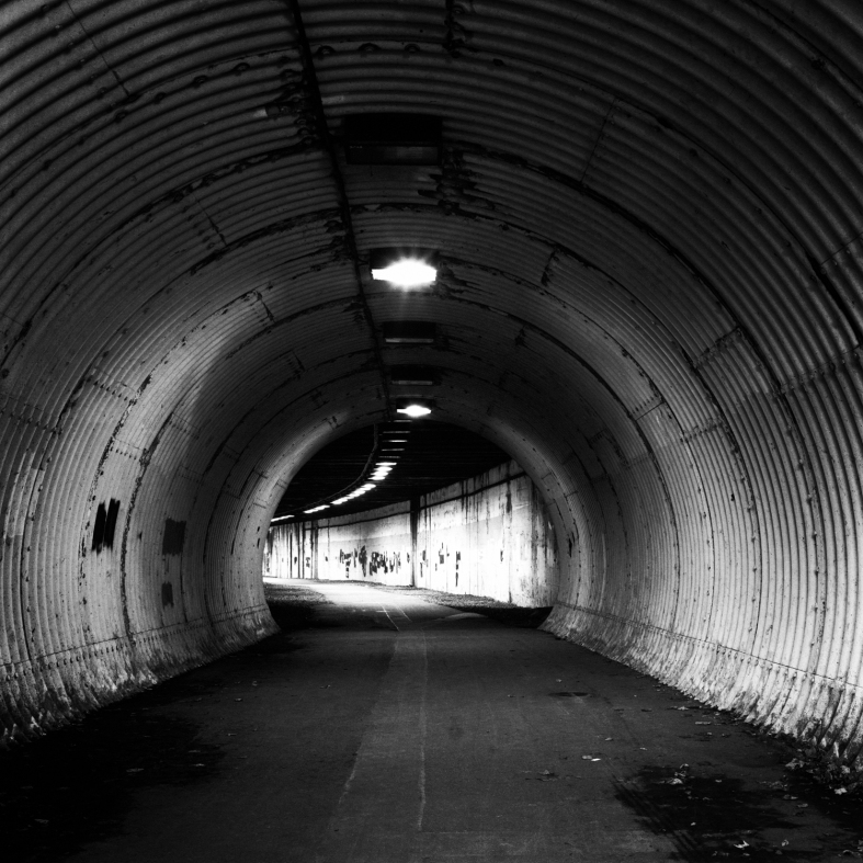 A Tunnel Noir-2.jpg