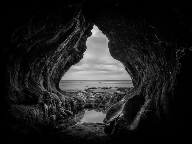 Middle Earth (Mono)-2.jpg
